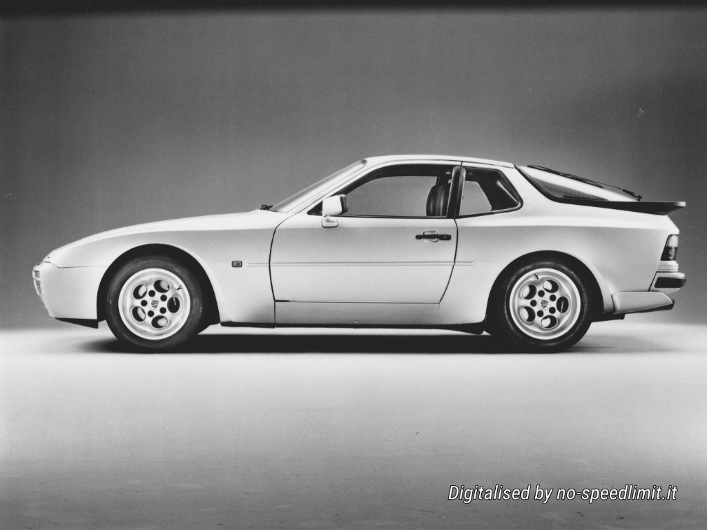 Porsche_Werkfoto_1985_944_Turbo (01)