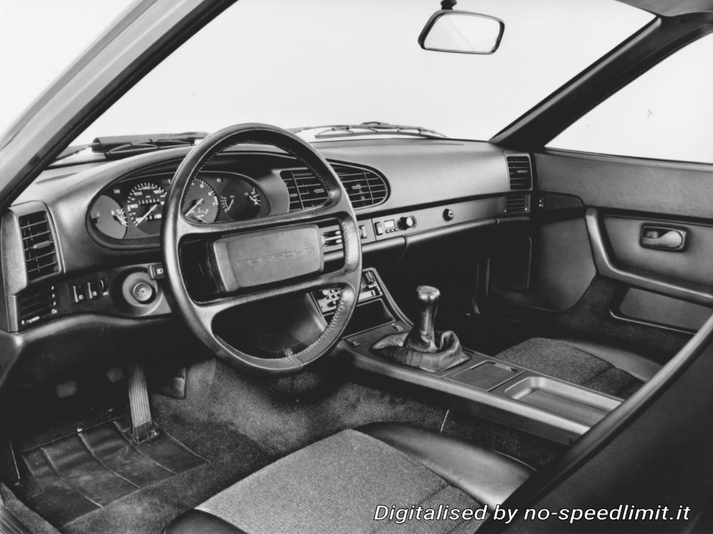 Porsche_Werkfoto_1985_944_Turbo (05)